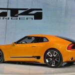 Kia GT4 Stinger lateral izquierdo