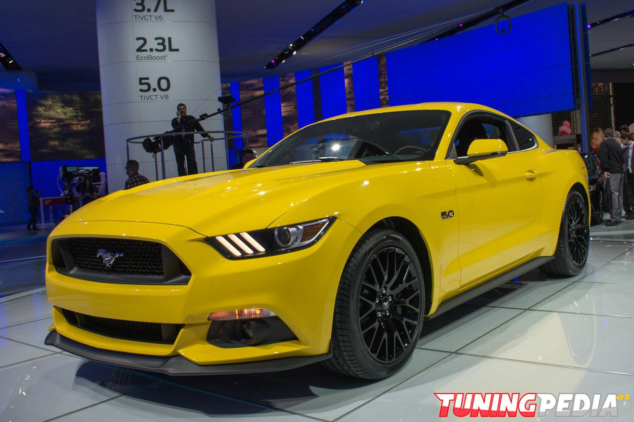 Ford Mustang 2015 amarillo